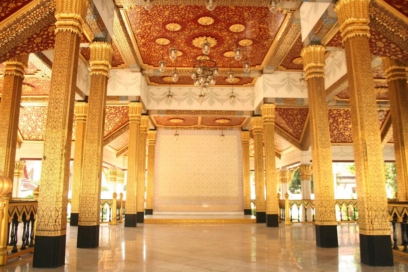 Đến Bangkok nhất định phải ghé thăm 3 cung điện siêu thực này - Ảnh 9.