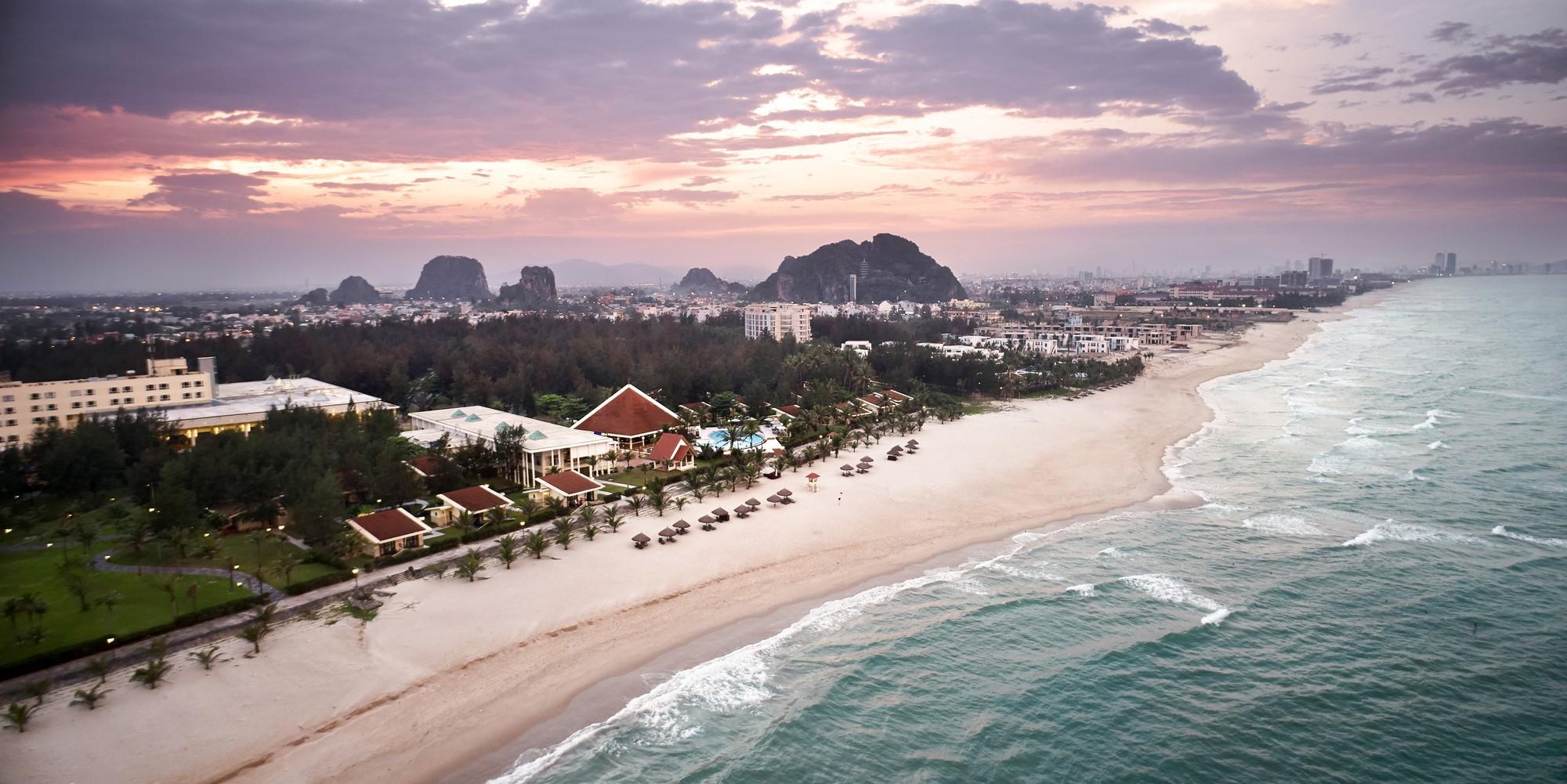 Centara-Sandy-Beach-Resort-Danang