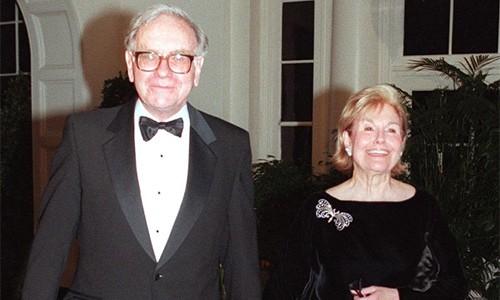 Warrent Buffett: Vụ đầu tư quan trọng nhất là chọn đúng bạn đời - Ảnh 1.