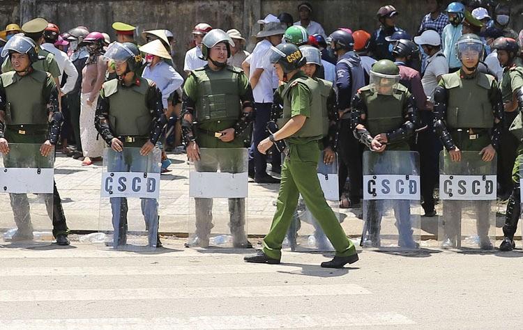 Bộ Tài nguyên Môi trường: '70% rác thải ở Việt Nam được chôn lấp' - Ảnh 3.