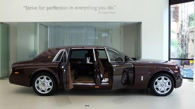 Rolls-Royce Phantom Mặt trời phương Đông 43 tỉ đồng của 'Đại gia điếu cày' Lê Thanh Thản - Ảnh 2.
