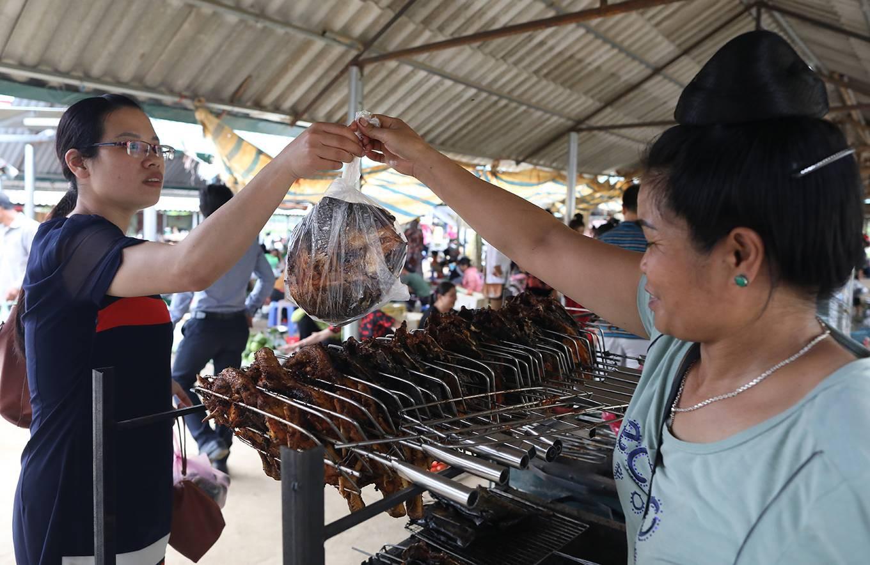 Chợ côn trùng ở vùng cao Tây Bắc - Ảnh 8.
