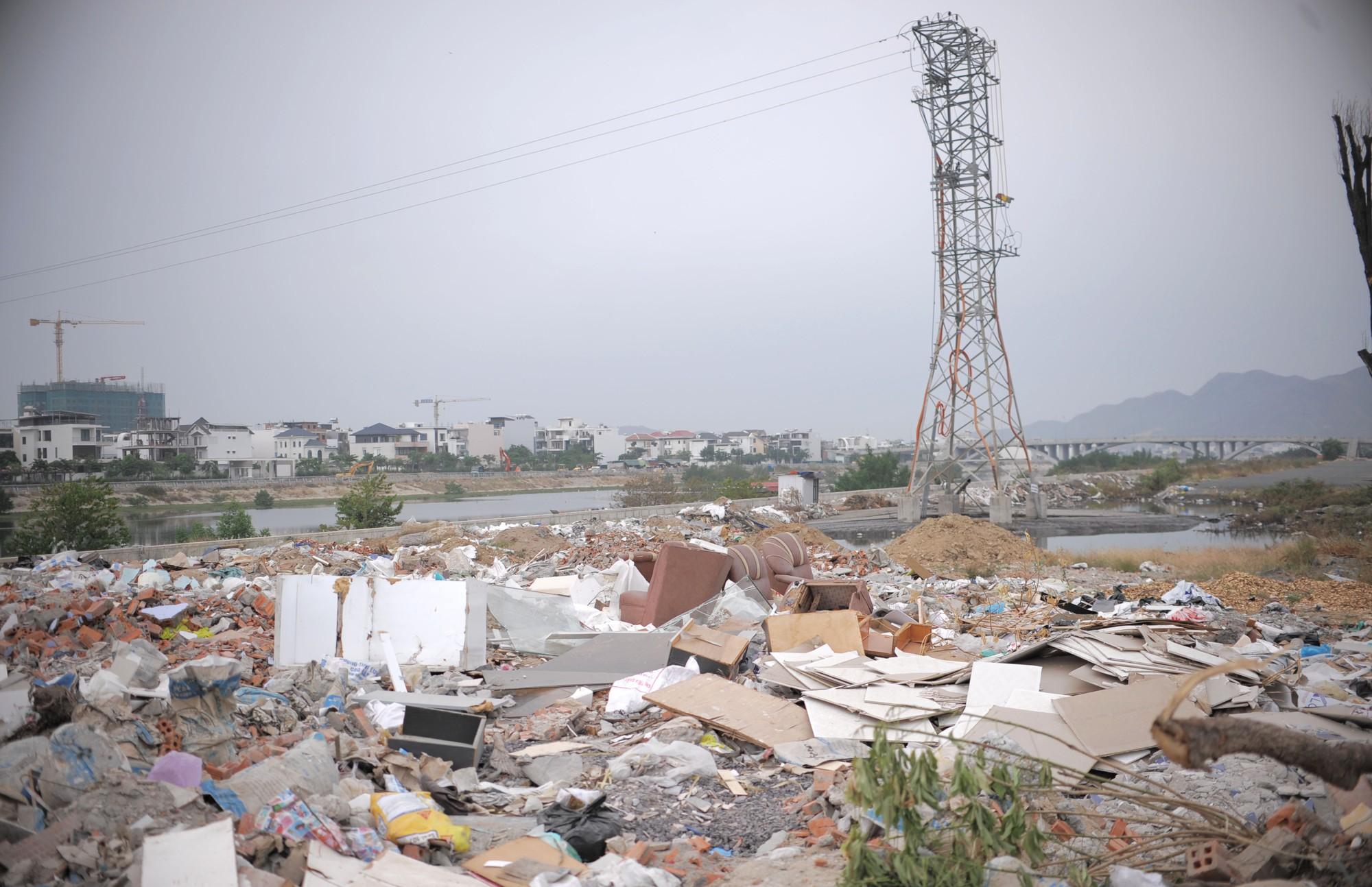 đô thị nha trang ngập rác  (2)