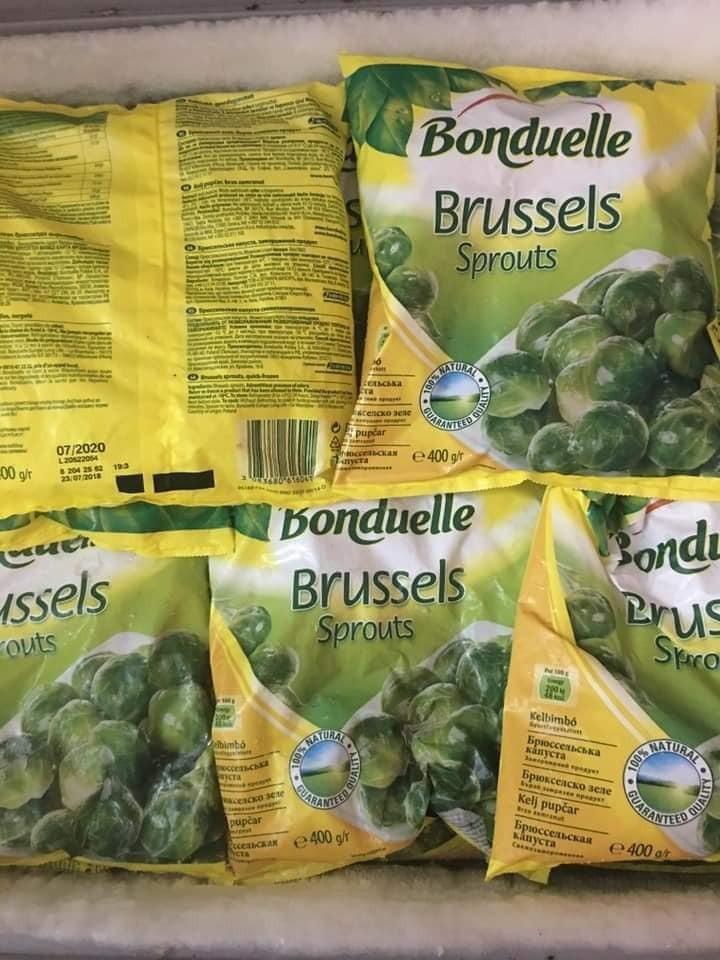Bắp cải kì lạ, luộc nguyên cây mỗi bữa ăn hết 20 bắp - Ảnh 1.