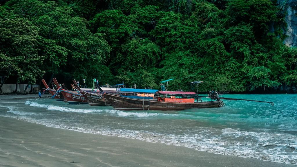 Lần đầu du lịch Thái, đến ngay thiên đường biển xanh như ngọc ở Krabi - Ảnh 2.