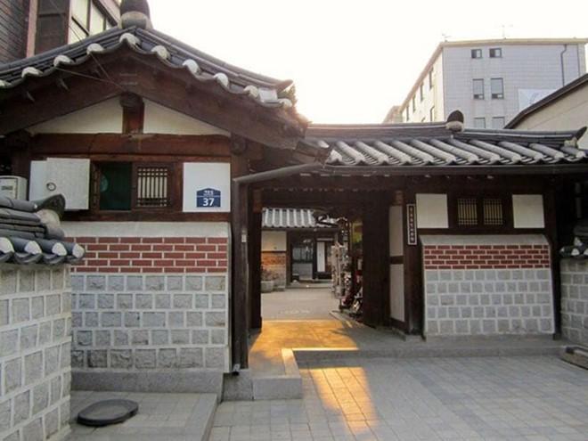 Khám phá những ngôi nhà truyền thống Hanok của Hàn Quốc - Ảnh 2.