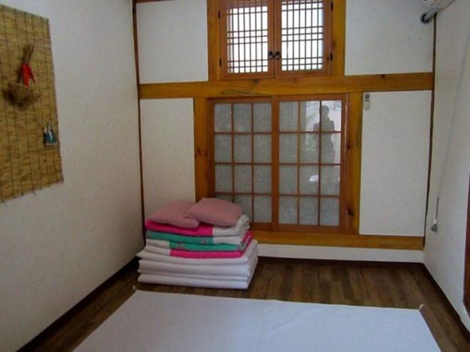 Khám phá những ngôi nhà truyền thống Hanok của Hàn Quốc - Ảnh 3.