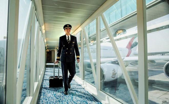 Soi lương 'khủng' của các phi công trên thế giới - Ảnh 22.