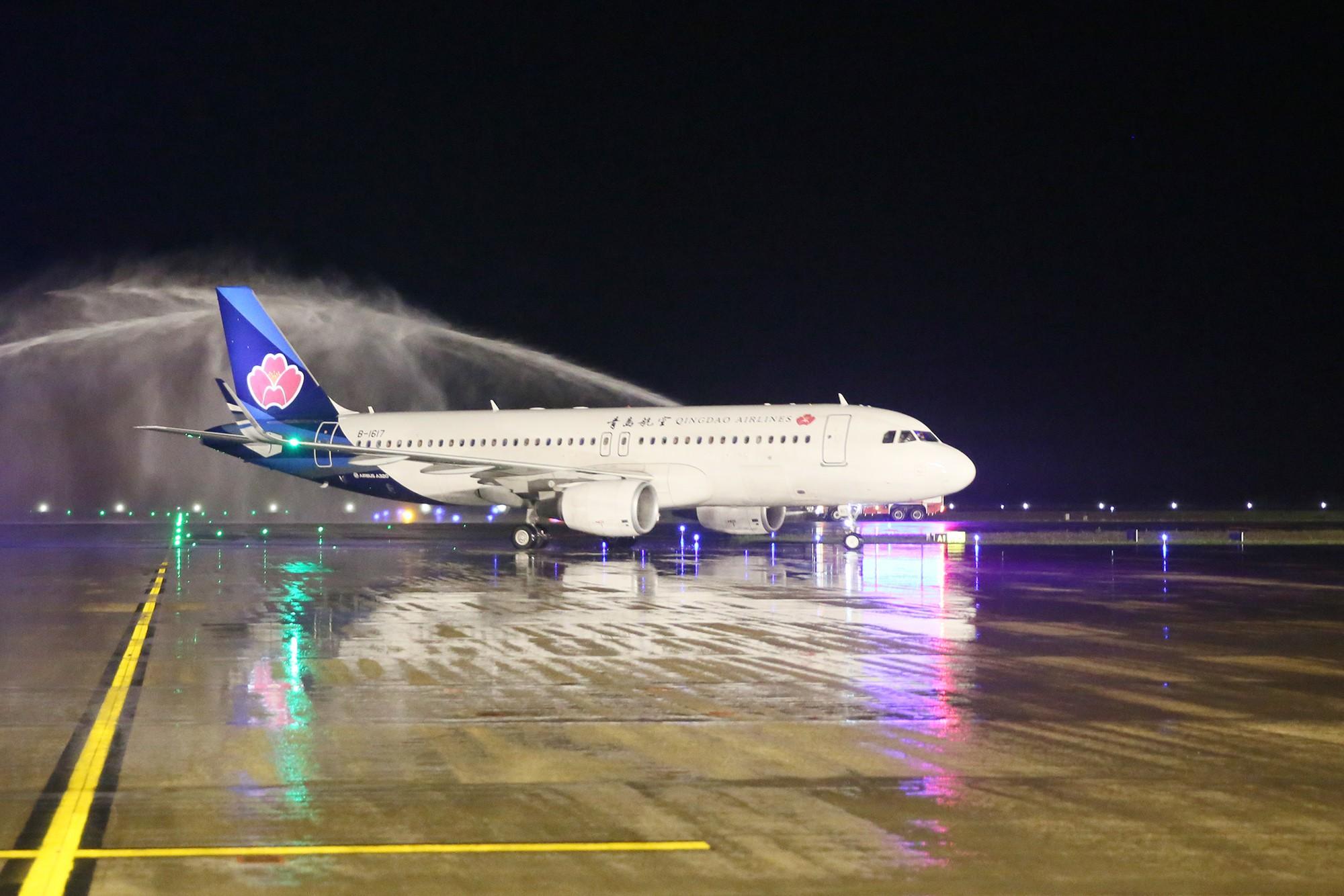 Mở đường bay thẳng từ Quảng Ninh đến Hồ Nam - tỉnh có Phượng Hoàng Cổ Trấn - Ảnh 1.