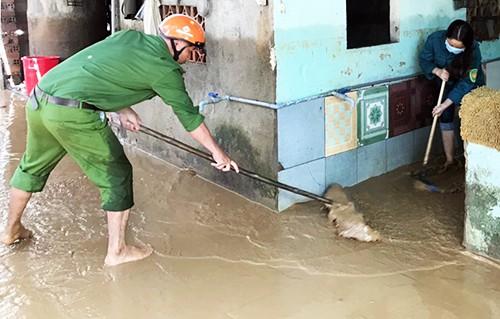 Hàng trăm căn nhà ở Lâm Đồng chìm trong nước sau mưa lớn - Ảnh 3.
