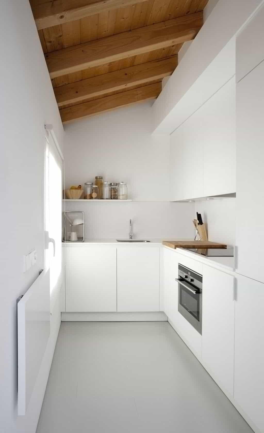 small-minimalist-kitchen-with-white-walls