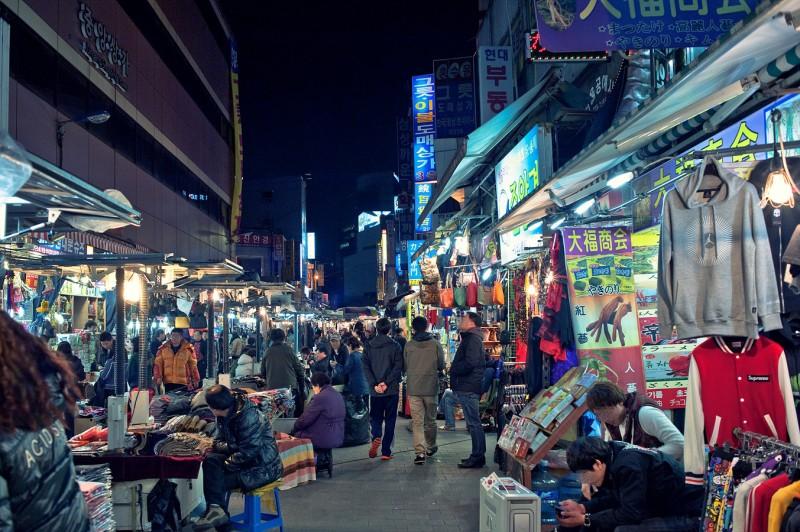 Ăn chơi phủ phê tại 4 khu chợ nổi tiếng nhất Hàn Quốc - Ảnh 1.