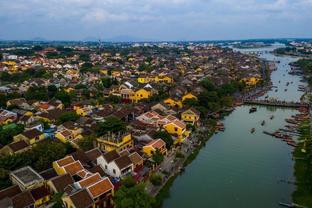 Báo Tây nói về đi xích lô và 9 trải nghiệm phải thử ở Việt Nam - Ảnh 5.