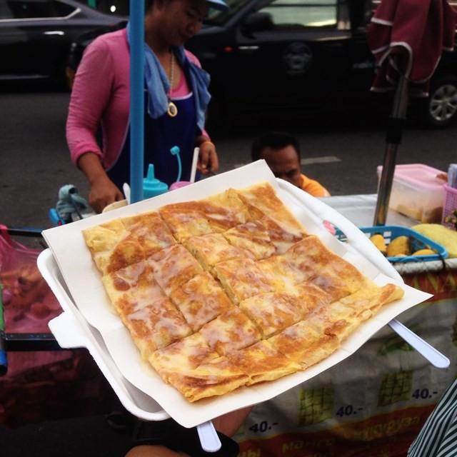Những món ăn vặt nổi tiếng nhất định phải thử khi đến Thái Lan - Ảnh 1.