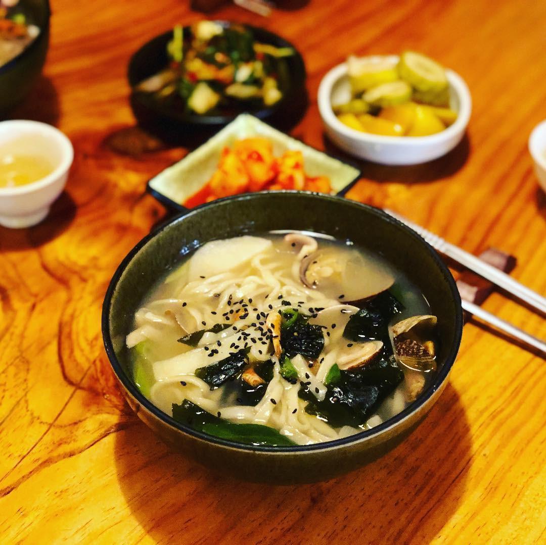 Không thể cưỡng lại sức hấp dẫn của 7 khu phố ẩm thực nổi tiếng nhất Seoul, Hàn Quốc - Ảnh 10.