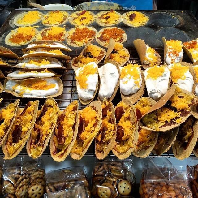 Những món ăn vặt nổi tiếng nhất định phải thử khi đến Thái Lan - Ảnh 11.