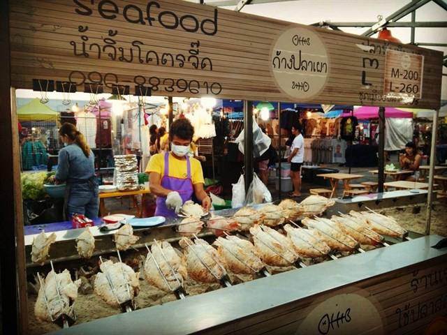 Những món ăn vặt nổi tiếng nhất định phải thử khi đến Thái Lan - Ảnh 32.