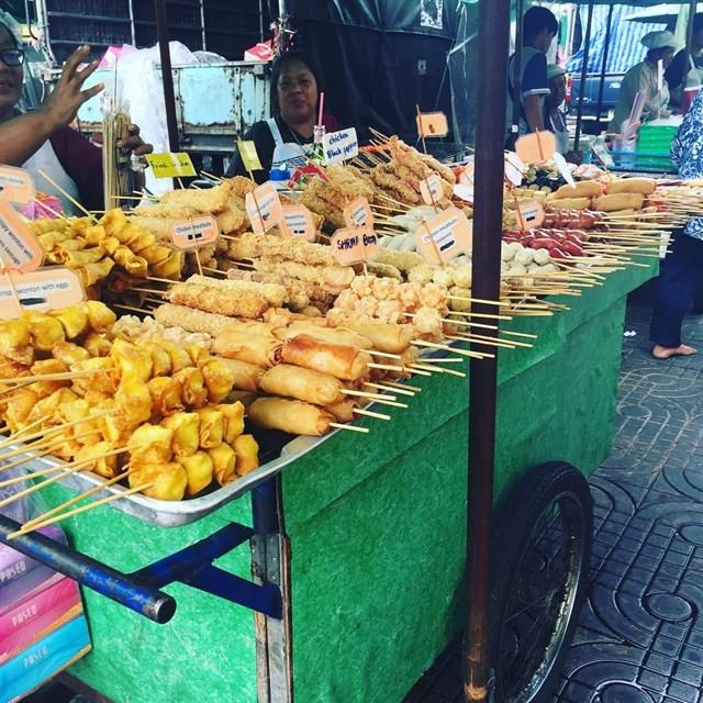 Những món ăn vặt nổi tiếng nhất định phải thử khi đến Thái Lan - Ảnh 35.