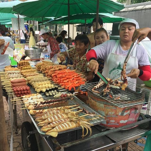 Những món ăn vặt nổi tiếng nhất định phải thử khi đến Thái Lan - Ảnh 36.
