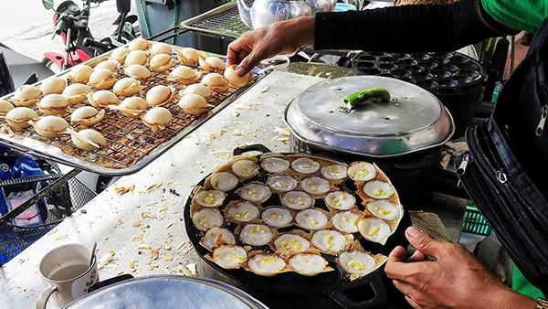 Những món ăn vặt nổi tiếng nhất định phải thử khi đến Thái Lan - Ảnh 5.