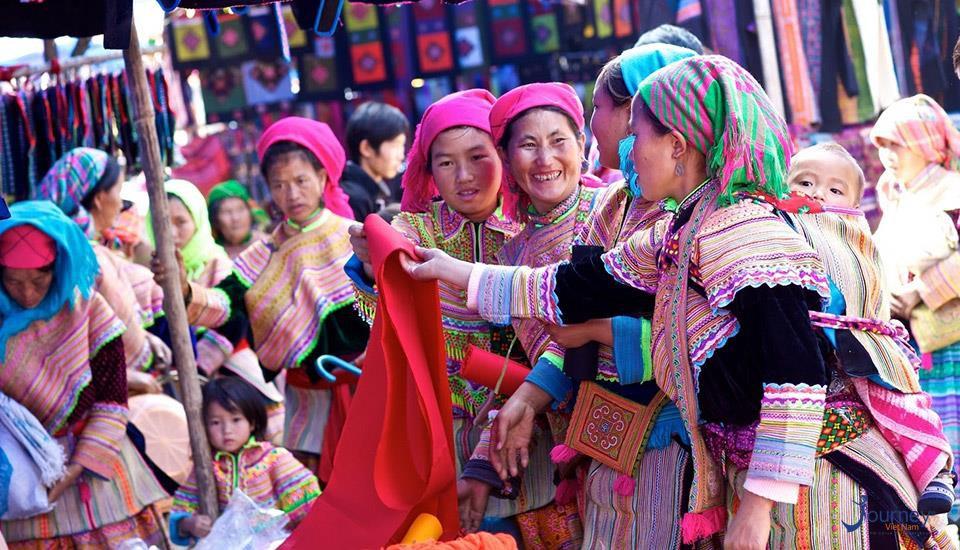 thanhhuong-182701042730-cho-sapa