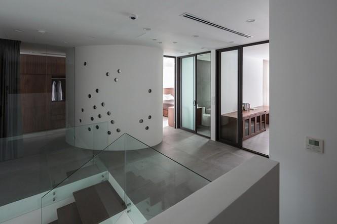 Gia chủ Hà Nội gộp hai căn hộ thành một 'biệt thự trên không' - Ảnh 7.