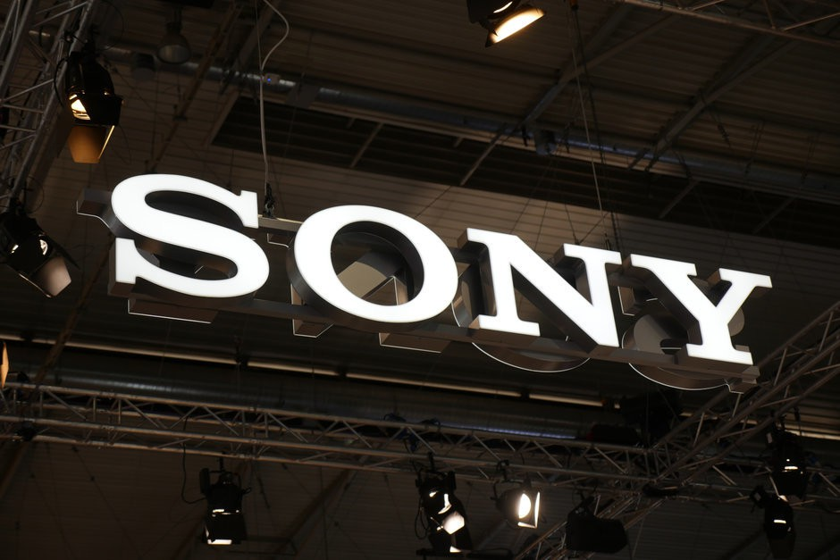 Hot-rumor-has-Sony-prepping-a-foldable-phone-with-a-retractable-rolling-display
