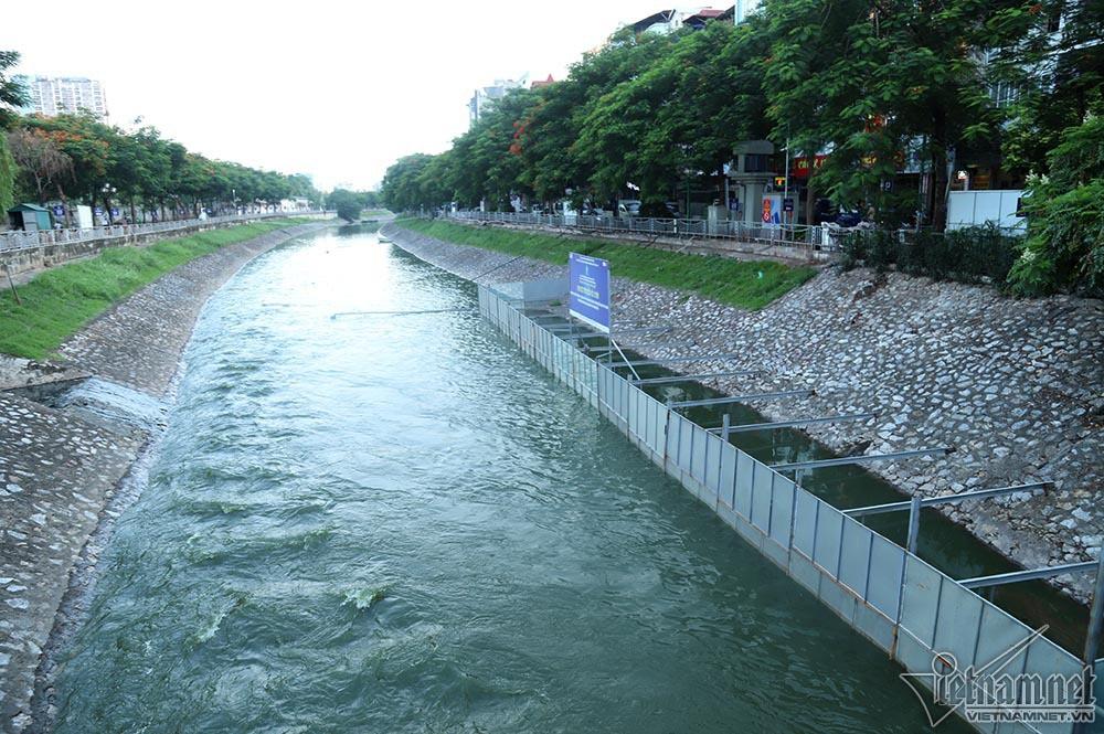 Nước hồ Tây lại xối vào sông Tô Lịch, 'nhấn chìm' thiết bị Nhật - Ảnh 4.