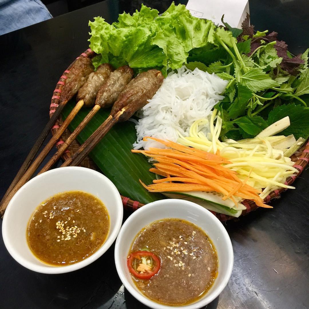 5 món ăn đặc sản nhất định phải thử khi đến với cố đô Huế - Ảnh 4.