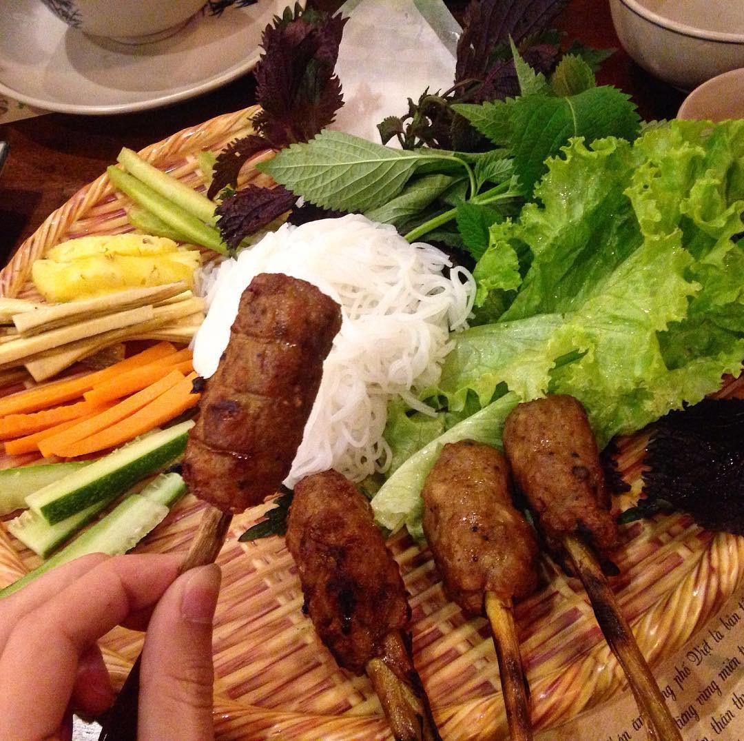 5 món ăn đặc sản nhất định phải thử khi đến với cố đô Huế - Ảnh 5.