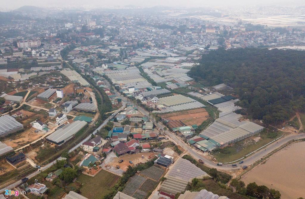Nhà kính phủ trắng đồi khiến Đà Lạt thành sông - Ảnh 6.