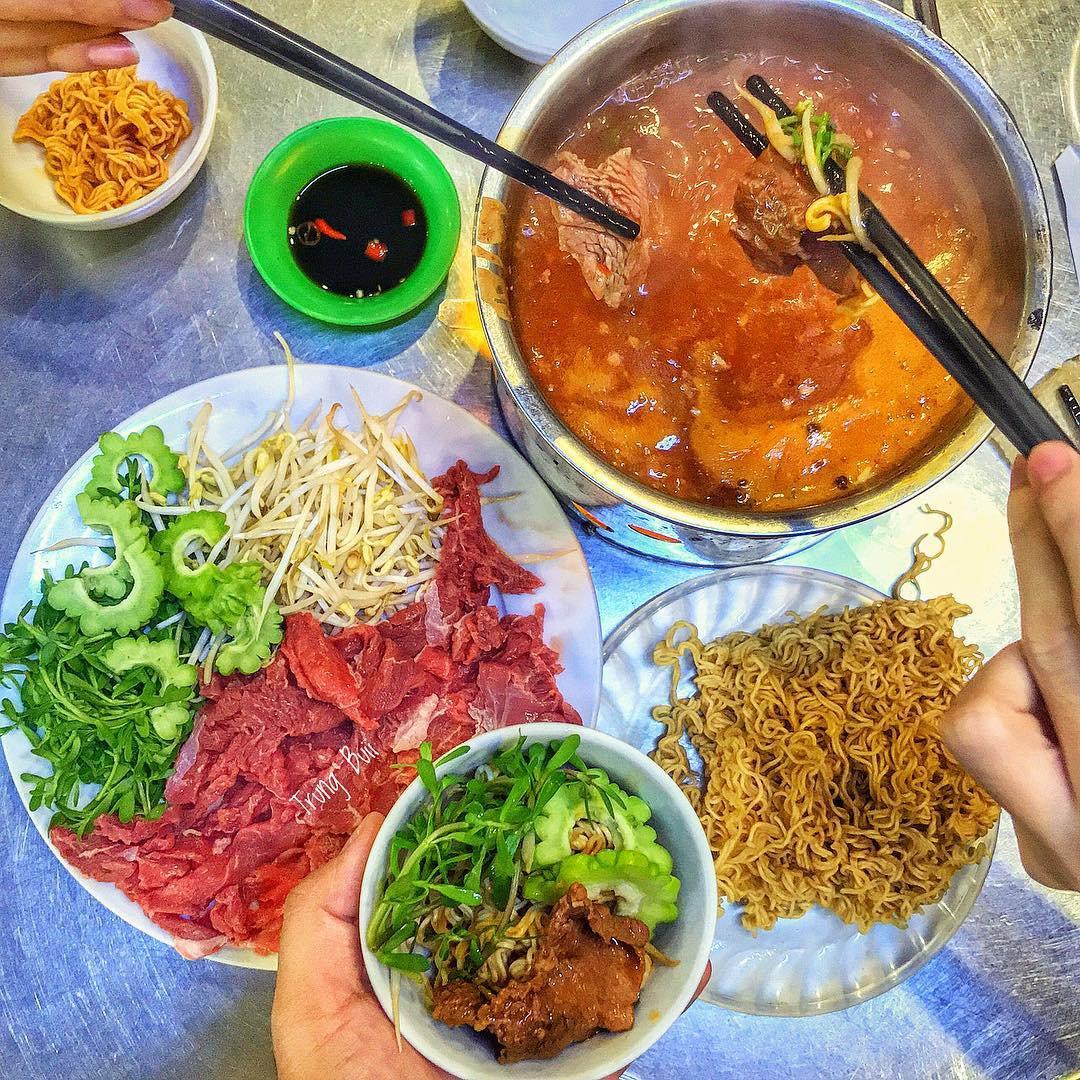 5 món ăn đặc sản nhất định phải thử khi đến với cố đô Huế - Ảnh 8.