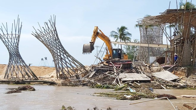 Đoạn bờ biển Phú Quốc tan hoang sau hai trận ngập lịch sử - Ảnh 12.