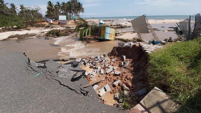 Đoạn bờ biển Phú Quốc tan hoang sau hai trận ngập lịch sử - Ảnh 8.