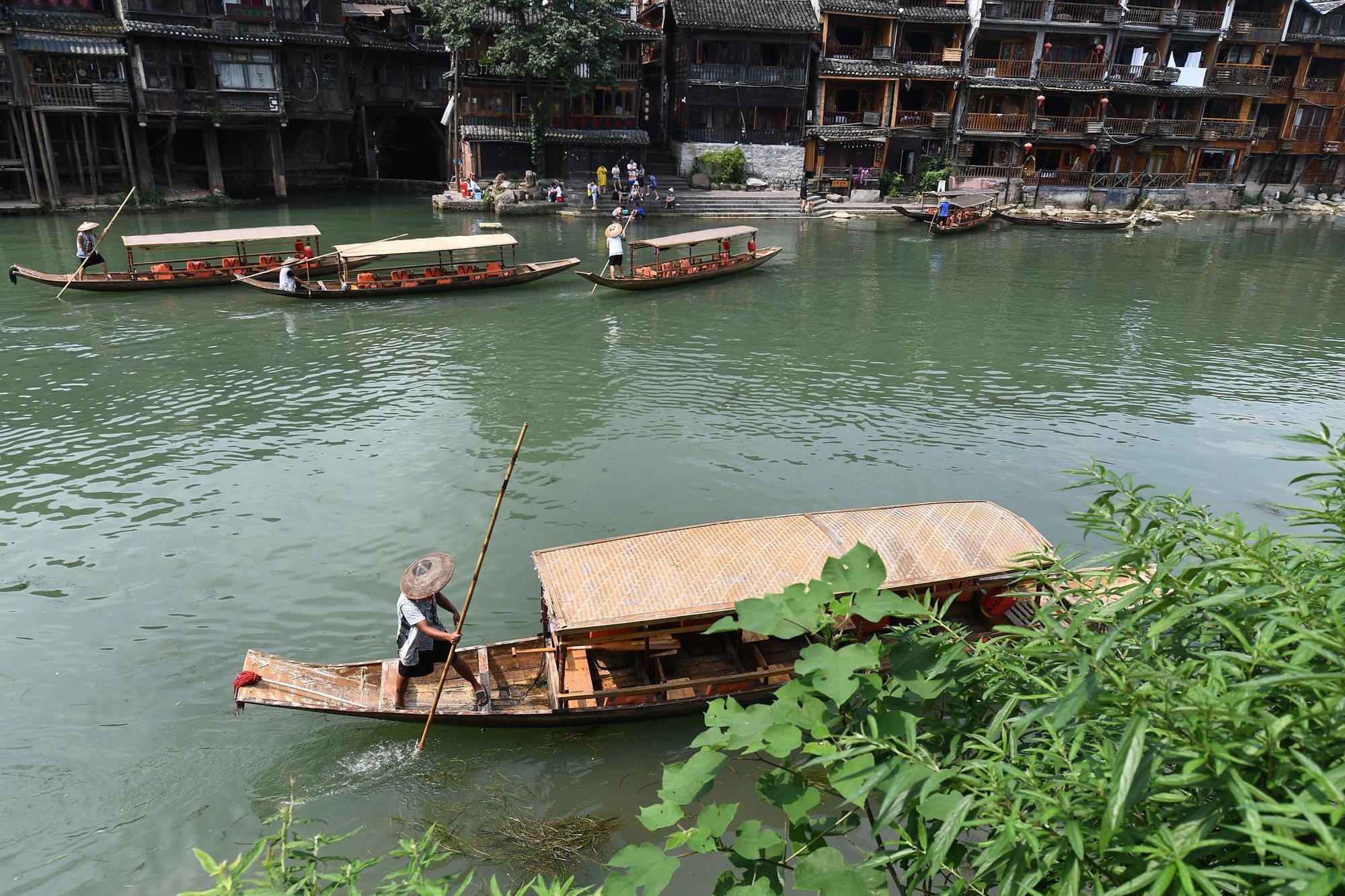 Phuong Hoang co tran va bi mat thu hut khach du lich quanh nam hinh anh 9