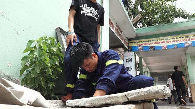 Bệnh viện Đà Nẵng lần đầu tiên phải nhận 'viện trợ' nước sạch - Ảnh 2.