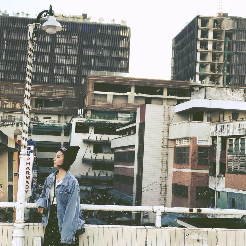 Goc-Hong-Kong-ben-hong-Cho-Da-Lat-12
