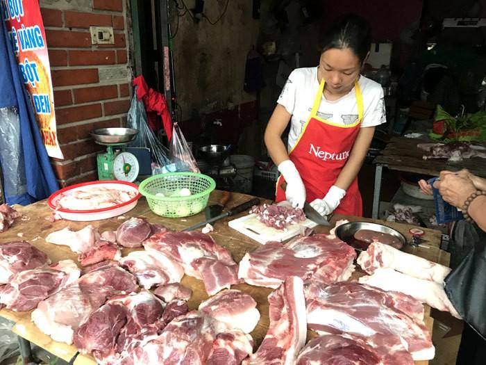 Thiếu trầm trọng thịt lợn, Tết mất nhiều món ngon, giá đắt đỉnh điểm - Ảnh 2.