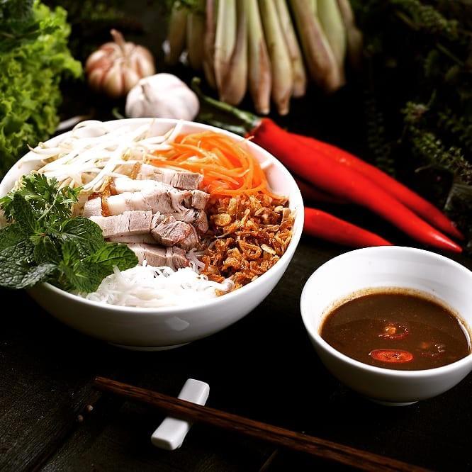 Lễ 2/9 ngại đi chơi xa, đến ngay những quán ăn ngon và thưởng thức món ăn vặt nổi tiếng xứ Huế  - Ảnh 13.