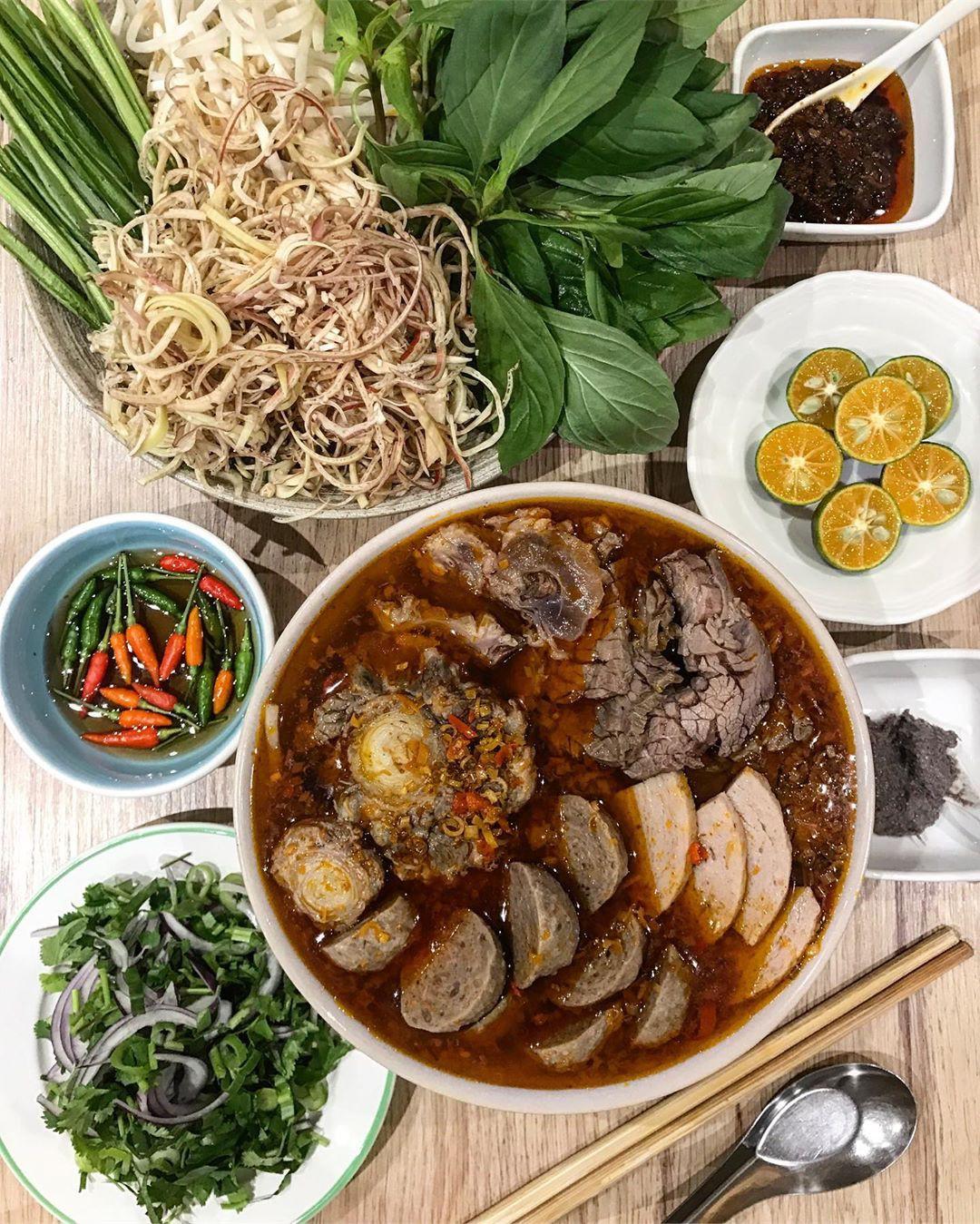 Lễ 2/9 ngại đi chơi xa, đến ngay những quán ăn ngon và thưởng thức món ăn vặt nổi tiếng xứ Huế  - Ảnh 8.