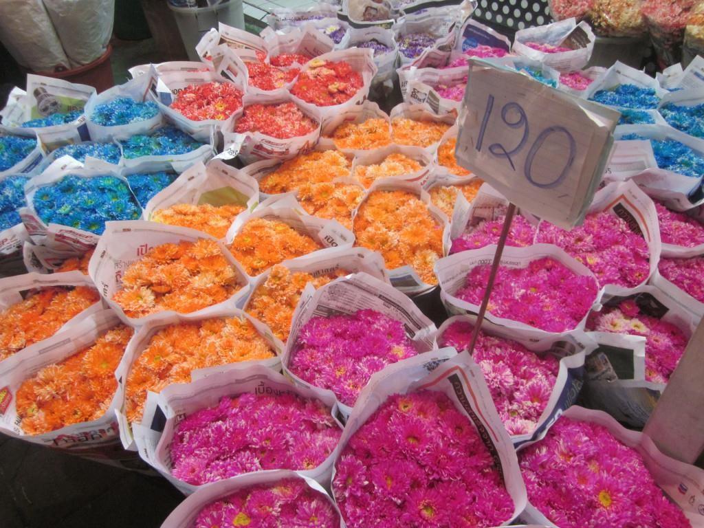 'Chợ kẻ cắp' và những khu mua sắm nổi tiếng ở Bangkok - Ảnh 5.
