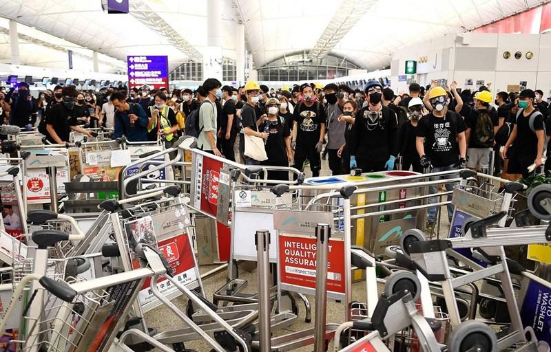 Bỏ túi những bí kíp 'vàng' sau đây nếu đã lên kế hoạch du hí Hồng Kông thời điểm biểu tình - Ảnh 1.