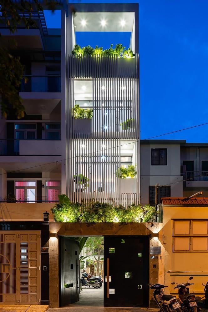 Vẻ đẹp 'gây nghiện' của căn nhà phố ở Sài Gòn - Ảnh 1.