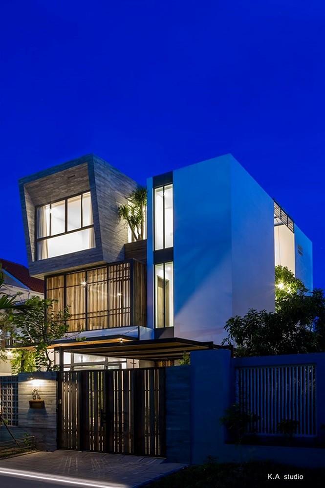 Ngôi nhà phố ở Nha Trang thiết kế phá cách đẹp ngỡ ngàng - Ảnh 1.