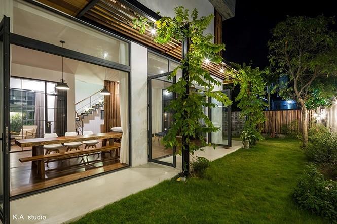 Ngôi nhà phố ở Nha Trang thiết kế phá cách đẹp ngỡ ngàng - Ảnh 4.