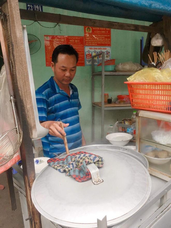 Nước mắt ly hương người Quảng Ngãi: Đêm Sài Gòn nỗi buồn 'giăng' bên xe hủ tiếu - Ảnh 2.