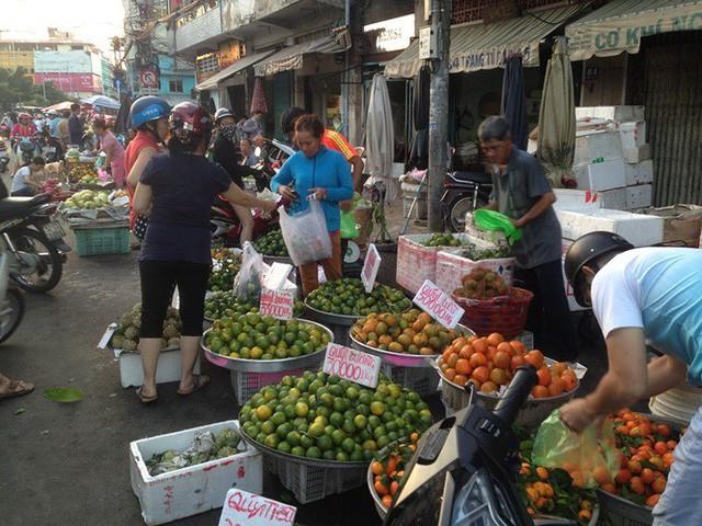 Ngày đầu nghỉ lễ 2/9: Siêu thị đông ngẹt, thực phẩm nhảy giá - Ảnh 14.