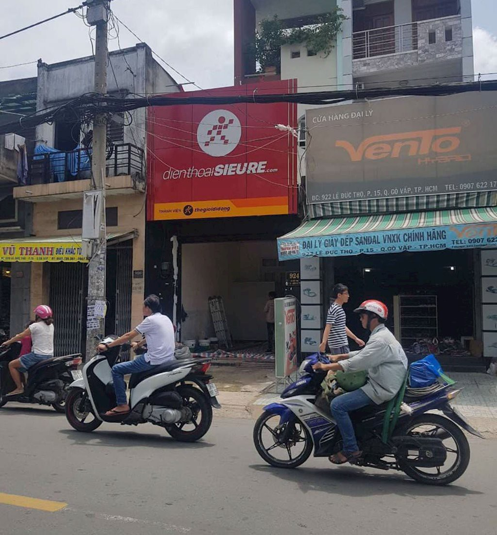 Thế Giới Di Động mở cửa hàng 'Điện thoại siêu rẻ', cạnh tranh cửa hàng nhỏ lẻ - Ảnh 1.