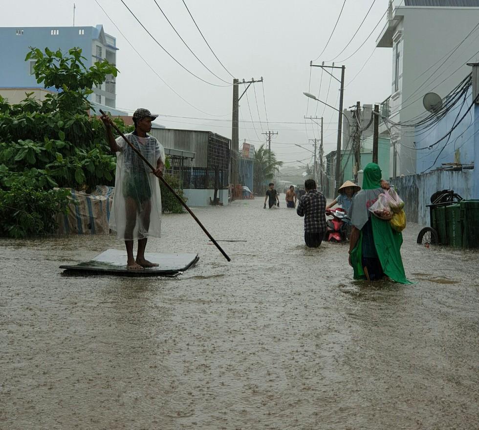 Hình ảnh đảo ngọc Phú Quốc thành đảo ngập chưa từng thấy - Ảnh 6.