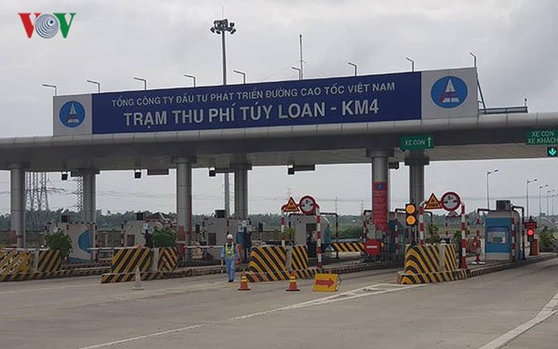 Cao tốc Đà Nẵng-Quảng Ngãi: Dự án chưa xong đã thu phí, dân 'kêu trời' - Ảnh 2.